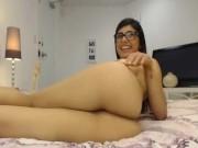 مي خليفة بتستعرض جسمها في أحلي فيلم سكس عربي
