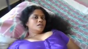 زوجة هندية شرموطة بتتناك بعنف علي السرير